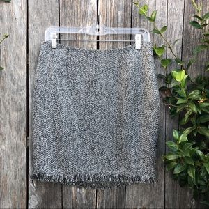 Bebe grey tweed skirt with sight fringe edge 8